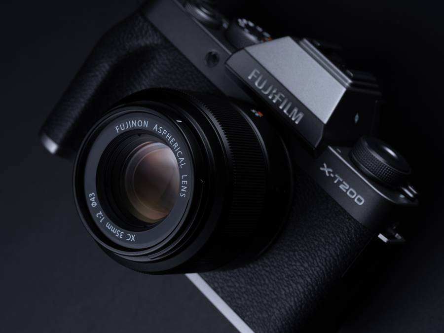 Fujifilm X-T200 and X-A7 Firmware Updates Released