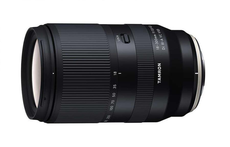 Obiettivo Tamron 18-300mm f/3.5-6.3 Di III-A VC VXD per Fujifilm e Sony